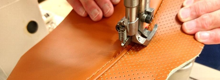 縫製作業の手元の写真